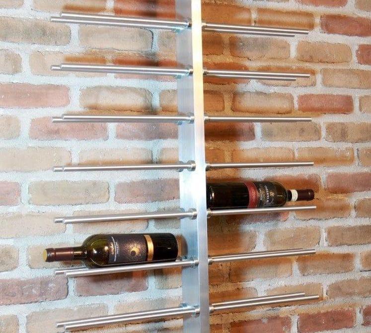 rangement métallique pour le vin